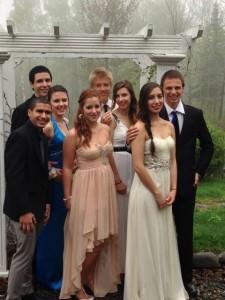 Z leva: Omar, Kyle, Riley, Ludavica,  Pietari, Marie, Nicole a James :)